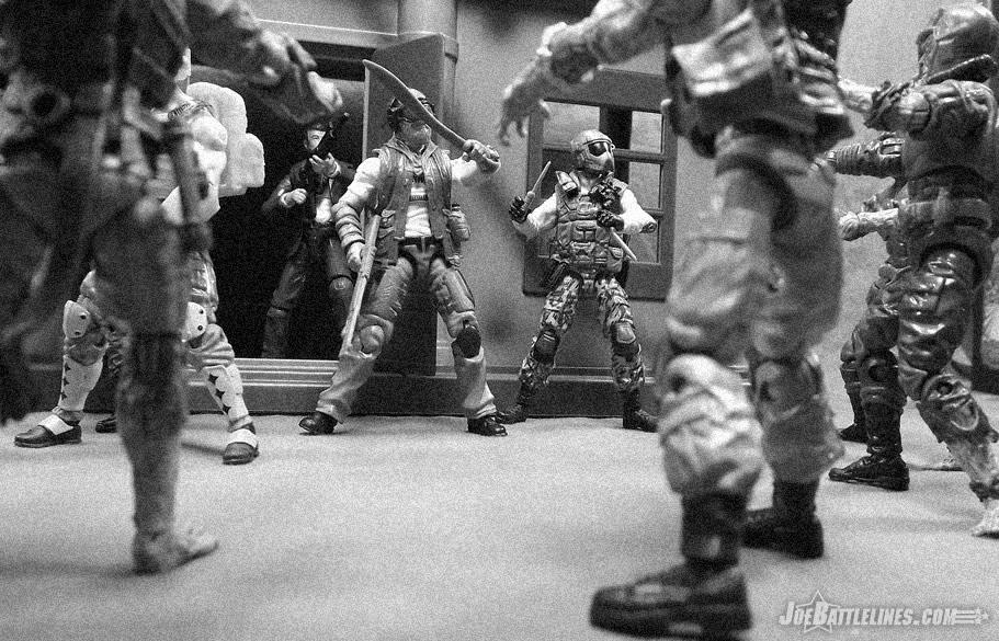 Review of 2014 G.I. Joe Zombie Initiative Outback (Zombie ...